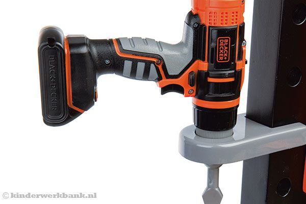 De boormachine van Black & Decker.